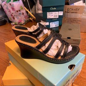 BOC Saxony Black Sandal sz 6 NIB
